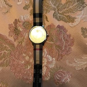 Burberry Watch in House Check Print